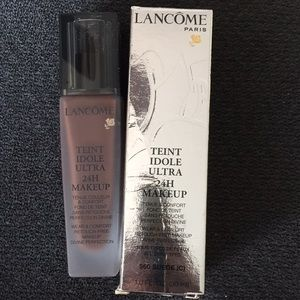 560 Suede Lancôme Tiente Idole Ultra 24H Makeup